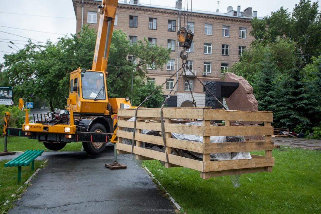 Установка памятника пожарным и Спасателям в городе Новосибирске
